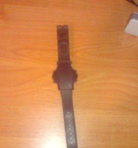 Детские часы новые.