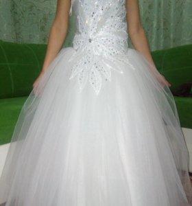 Продаю красивое пышное платье