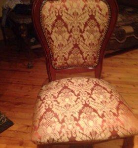диван и кресло  стулья и стол