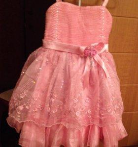 Платье- сарафан на 4-5 лет, лямки регулируются