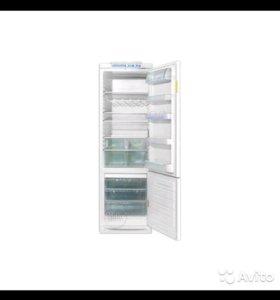 Продам холодильник Electrolux ER 9004 B