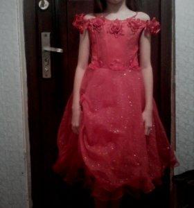 Платье продам приежайте дом 27 улица партизанская