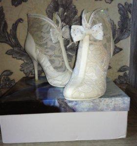 Туфли- ботильоны