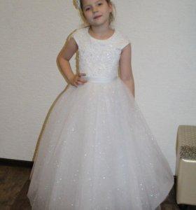 Новое нарядное детское платье r601