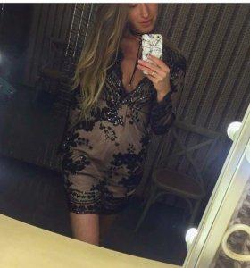 Платье в пайетках 42