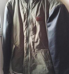 Куртка бомбер Vans