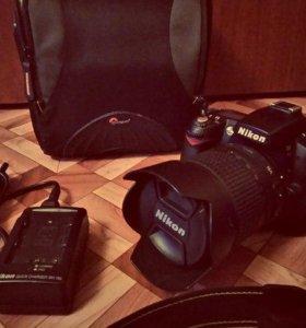 Nikon D90 18-105 + батарейный блок + сумка