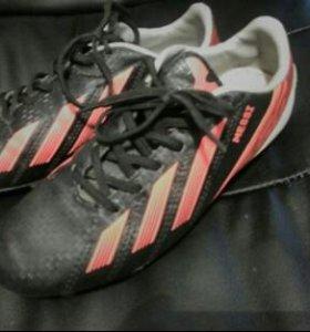 Бутсы Adidas