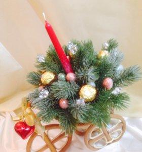 """Новогодняя композиция """" Тележка со свечой"""""""