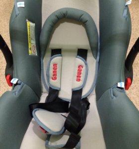 Детское автомобильное кресло-переноска