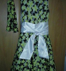 Платье для девочки, размер 38 цена 800 руб.