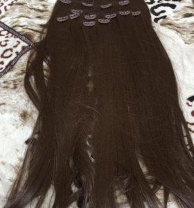 Волосы на заколках не натуральные