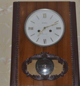 Часы настенные Янтарь .с боем