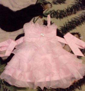 Праздничное платье!2-4 года