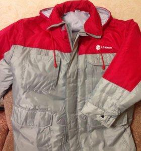 Новая теплая куртка с капюшоном