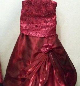 Платье нарядное 4-6 лет