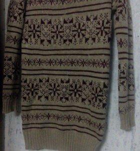 Тёплое вязанное платье