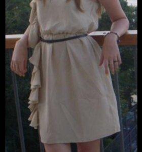 Платье бежевое, размер 40-42