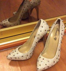 Туфли 39 размера - новые