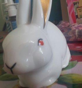 Фарфоровый заяц