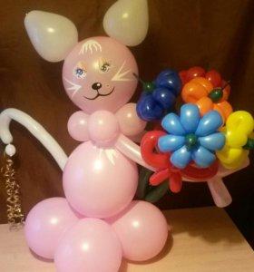 Кошечка с цветами из шаров