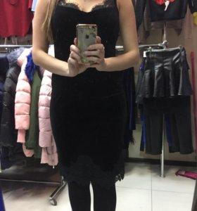 Платье бархат новое с этикеткой