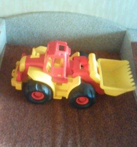 """""""Трактор"""" игрушка"""
