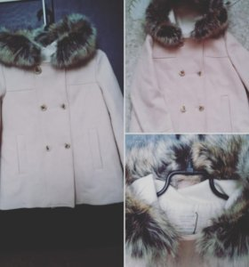 Пальто новое Zara girls , рост от 140