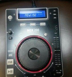 DJ CD-проигрыватель
