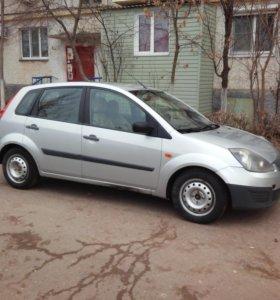 СРОЧНО Ford Fiesta 2006 МТ 1.3