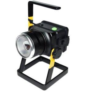 Автономный фонарь-прожектор на подставке