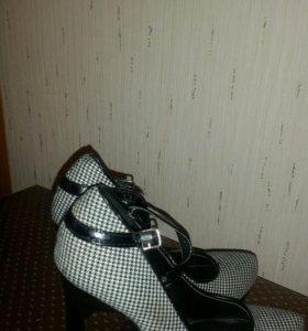 Туфли с застежками