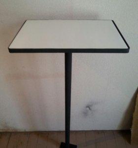 Столик металлический