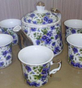 Сервиз (чашки,чайник)