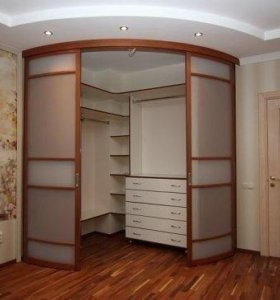 Шкаф-гардеробная радиусной!