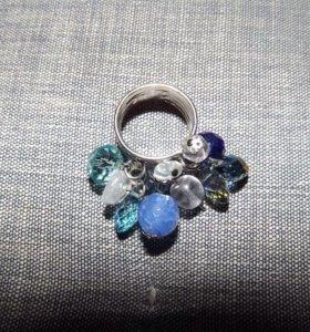 Кольцо из бусин ручная работа 16 размер