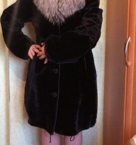 Шуба мутон воротник чернобурка