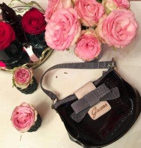 Красивая сумочка Guess