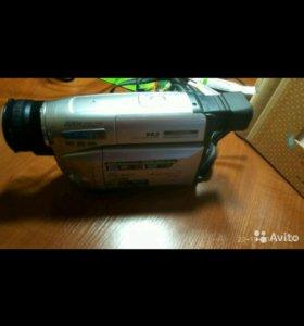 Видеокамера (кассетная)