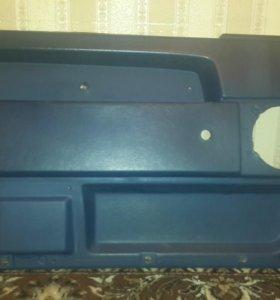 Обшивка водительской двери на volvo 940