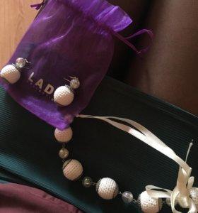 Продам серьги и ожерелье