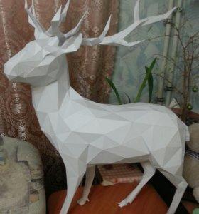 Бумажный полигональный олень
