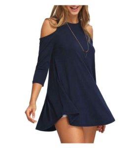 Стильная синяя блуза с открытыми плечами. Новая.