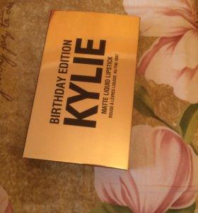 Матовые помады Kylie Birthday Edition