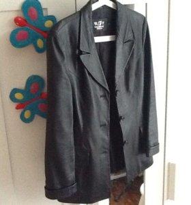 Кожаный пиджак / куртка /женский 42-44( S )