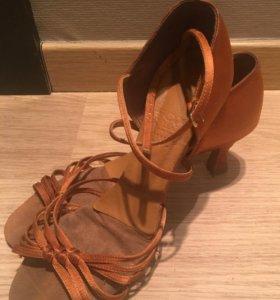 Туфли для бальных танцев ( Латина)