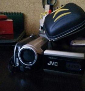 Видеокамера JVC. В отличном состоянии.
