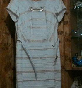Праздничное платье 48р с пояском