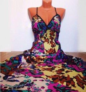 Новое фирменное платье в пол