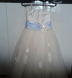 Платье на выпускной для девочки.